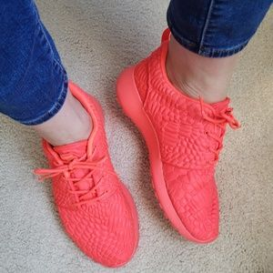 Nike Roshe One DMB Bright Crimson Sneakers LAB